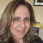 Headshot of Frances Alvarado Albertorio